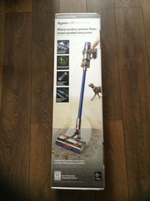 dyson-v11-absolute-cordless-vacuum-cleaner-brand-new.jpg