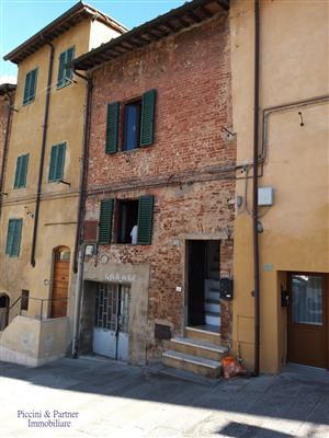 semindipendente - terratetto a centro città, siena