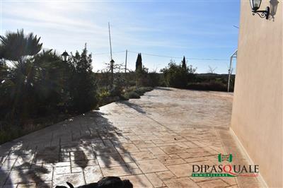 4657841_vendita-villa-ragusa-rif-0vv2-contrada-buttino-villa-singola-e-terreno-1.JPG